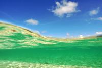 沖縄県 半水面のまぼろしの島ビーチ