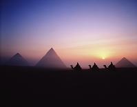 エジプト サンライズとピラミッド