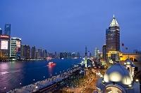 上海 外灘から浦東ビル群夜景