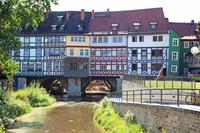 ドイツ エアフルト クレーマー橋の上の家並み