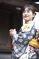 着物日本人女性