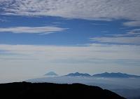 長野県 蝶ヶ岳より山梨方面 富士山・甲斐駒ケ岳・北岳