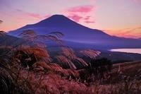 山梨県 山中湖パノラマ台より富士山