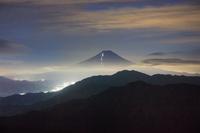 夜の富士山遠望