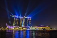 シンガポール 光と水のスペクタクルショーとマリーナベイ夜景