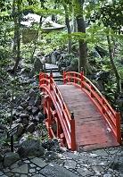 東京都 小石川後楽園の通天橋と得仁堂