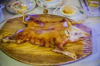 スペイン セゴビア 仔豚の丸焼き