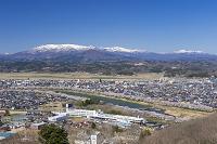 船岡城址公園より白石川堤一目千本桜と蔵王連峰