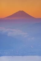 長野県 高ボッチ高原より諏訪湖と富士山と雲海