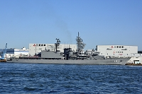 大阪 大阪湾に艦船が停泊