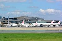 成田空港 T2  JAL