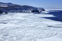 北海道 流氷 オホーツク海 ウトロ漁港 プユニ岬から撮影 世...