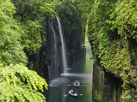 宮崎県 新緑の高千穂峡 真名井の滝