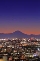 東京都 練馬区役所展望室から富士山の夜景