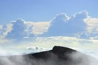 静岡県・山梨県 富士山の頂上と雲