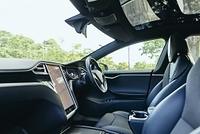 自動運転車の車内