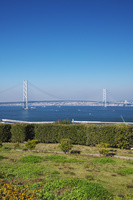 兵庫県 明石海峡大橋と明石市街地