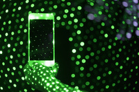 クラブの照明と携帯電話