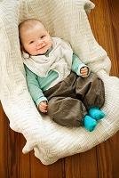 笑顔の6ヵ月の赤ちゃん