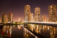 東京都 辰巳桜橋と東雲のタワーマンション