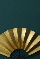 金箔の扇子の和風イメージ