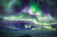 アメリカ合衆国 アラスカ・イーグルサミットに舞うオーロラ