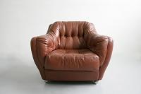 皮張りの椅子