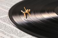 フィギュア レコード盤上のペアスケート