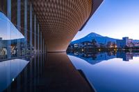 静岡県 静岡県富士山世界遺産センターと富士山 朝景