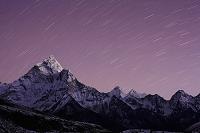 ネパール エベレストと星空