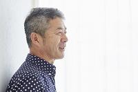 シニアの日本人男性の横顔