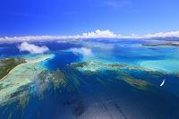 沖縄県 (左から)竹富島・黒島・新城島・小浜島・西表島(右奥)