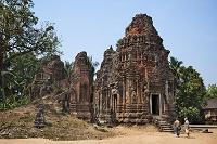 カンボジア ロレイ/ロリュオス遺跡群