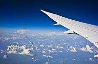 機中より ドーハ~チューリッヒ間 黒い飛行機雲