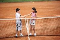 テニスプレーヤー同士の握手