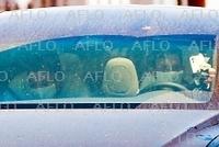 アリアナ・グランデ&新恋人のダルトン・ゴメスがLAでドライブ