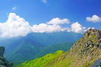 岐阜県 焼岳から雲の乗鞍岳方面
