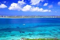 沖縄県 来間大橋とサンゴ礁