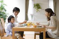 食事時の家族