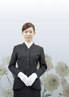 セレモニースタッフの日本人女性(喪イメージ)