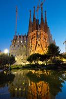 ライトアップされたサグラダファミリア バルセロナ スペイン