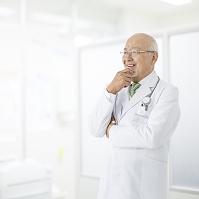 白衣を着た医者
