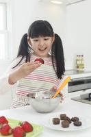 バレンタインチョコを作る女の子