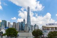 上海 黄浦江と超高層ビル