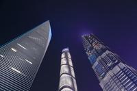 上海の超高層ビル群の夜景