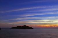 沖縄県 座間味島より屋嘉比島と雲 サンセット