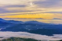 長野県 八方尾根より雲海と山並朝景