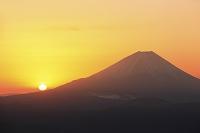 山梨県 丸山林道 富士山と朝日