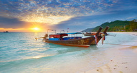 タイ ピピ島 ロングテールボート