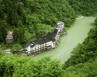 新緑の大牧温泉
